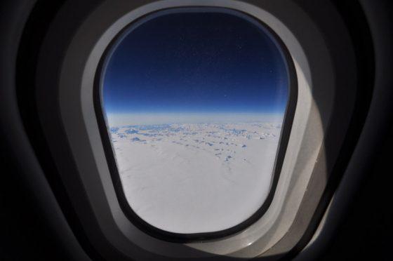Blick aus dem Flugzeug auf Grönland