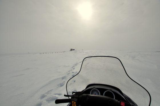 Blick vom Skidoo gegen Sonne