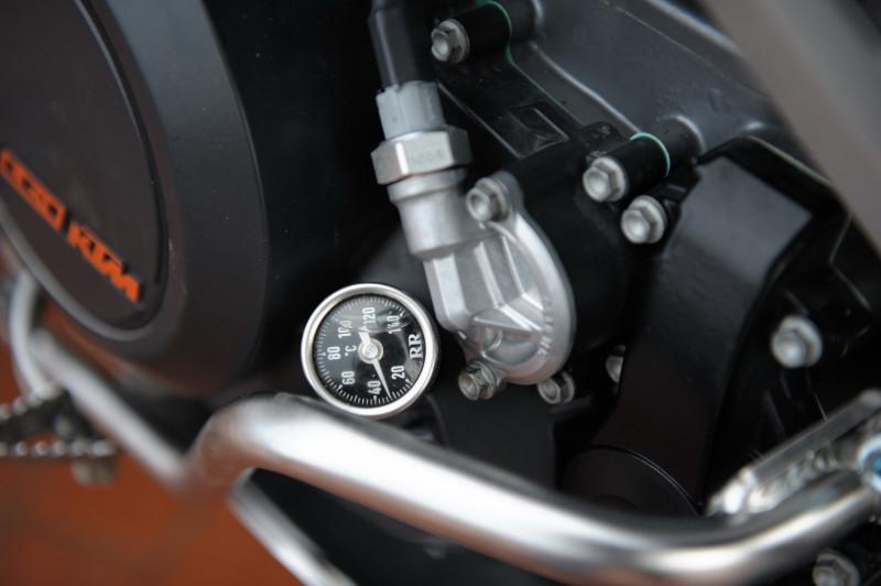 Spezieller Ölfilterdeckel mit Unterdrucksensor