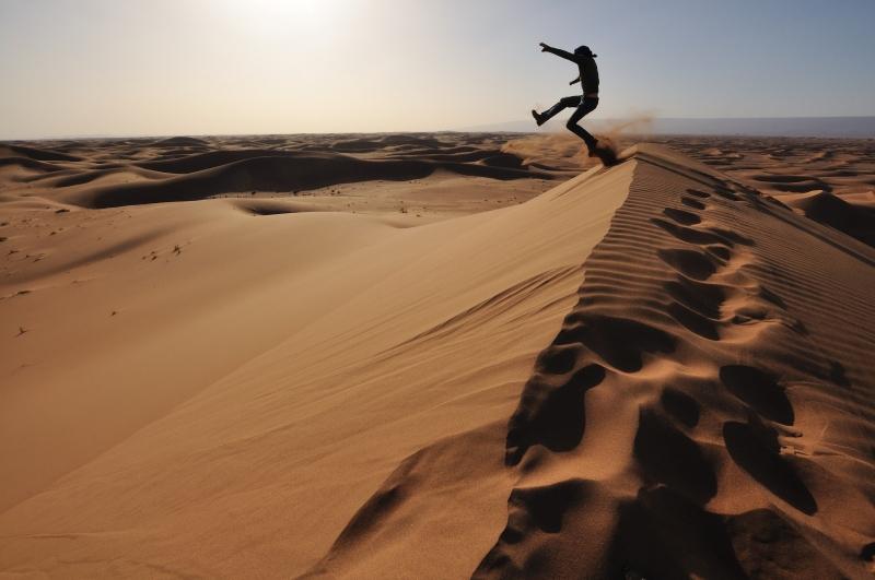 Sprung in den Sand