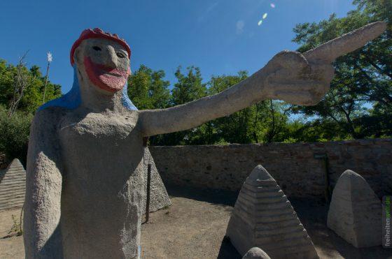Owlhouse Statue