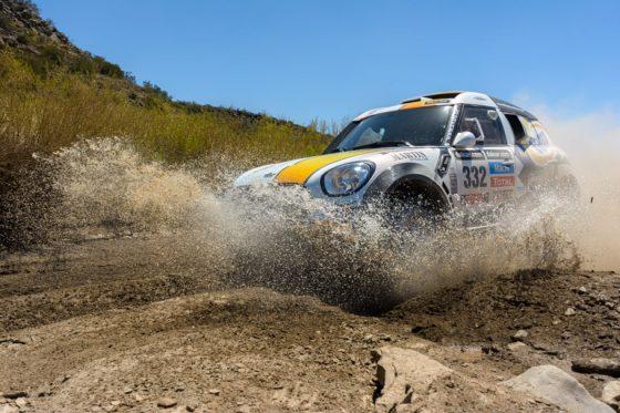 Rally Paris Dakar 2014 Auto im Matsch