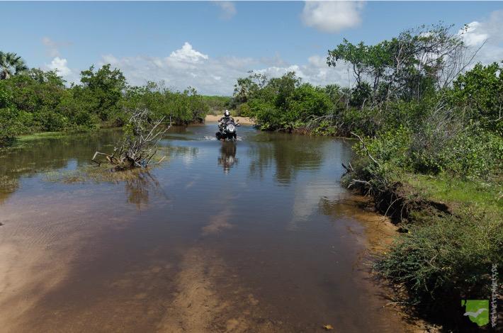 Tiefe Flußdurchfahrten auf dem Weg nach Atins