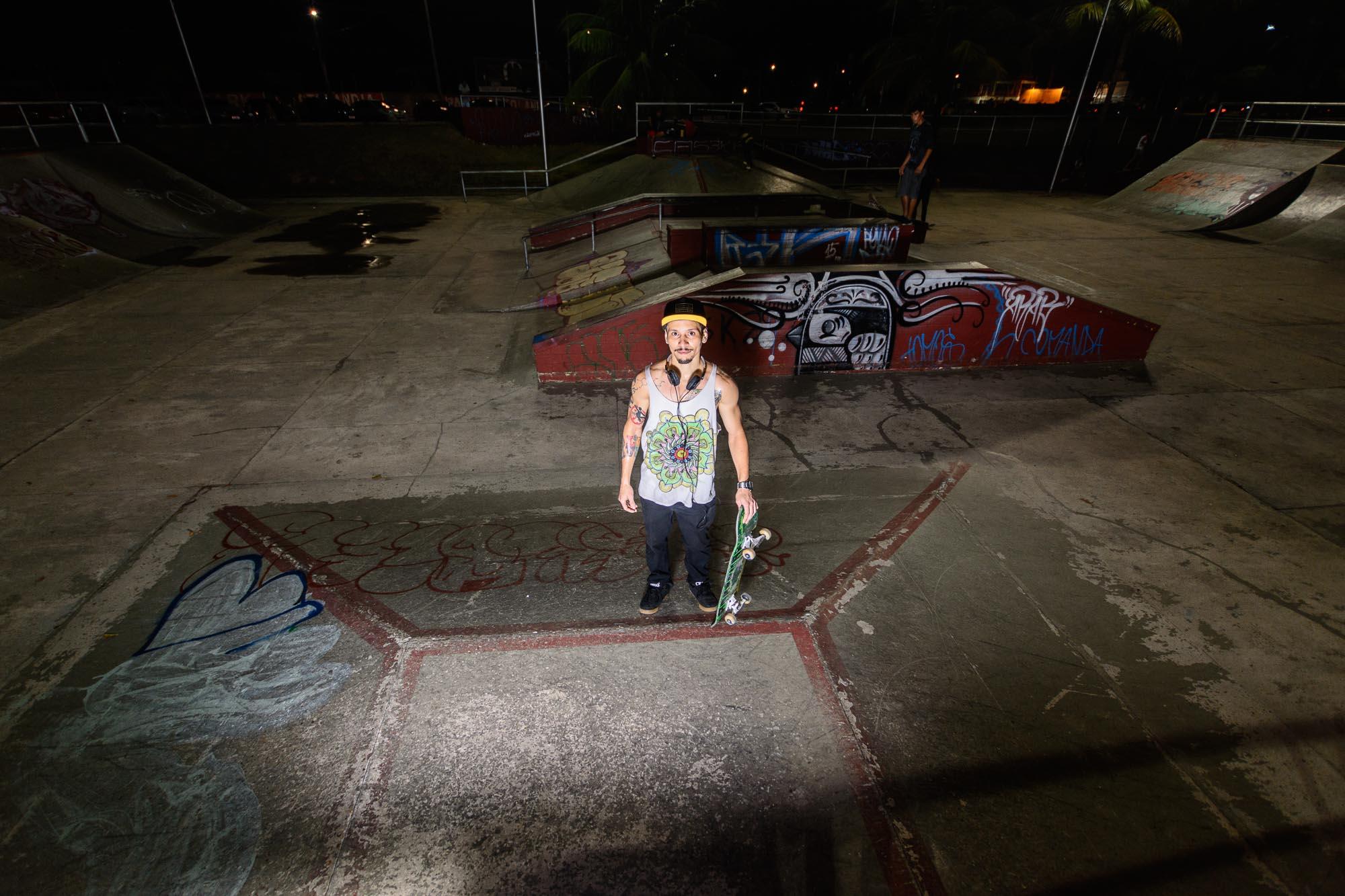Greg Lee Skateboarder im Park